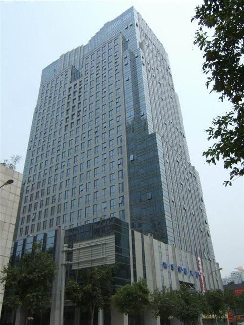 深圳鼎恒瑞投资公司荣超经贸大事办公室装修工程 (1200平方米);